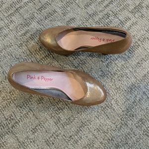 "Pink & Pepper 4"" heels brand new never been used."